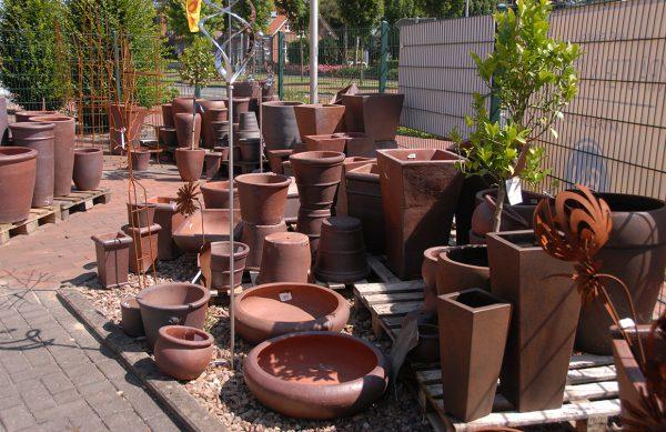 Pflanzgefäße und Töpfe für Ihre Gartengestaltung